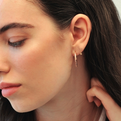 Minimalist jewellery for the entire bridal party