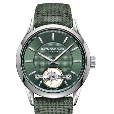 Raymond Weil has added a new watch to its Calibre RW1212 range