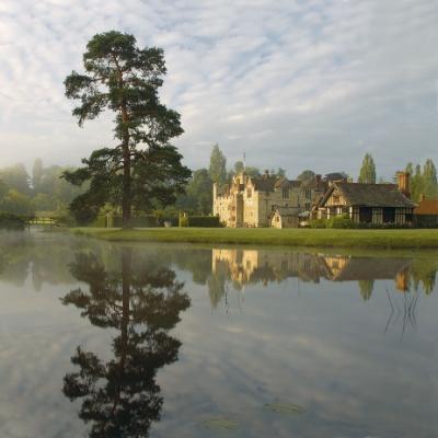 Award success for Kent wedding venue Hever Castle