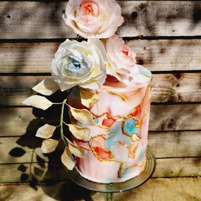 We talk lockdown wedding planning with Kent-based White Rabbit Cakes
