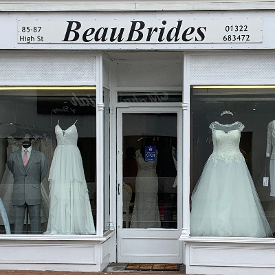 Keyworkers - scoop up your wedding dress at an incredible 50 per cent off!