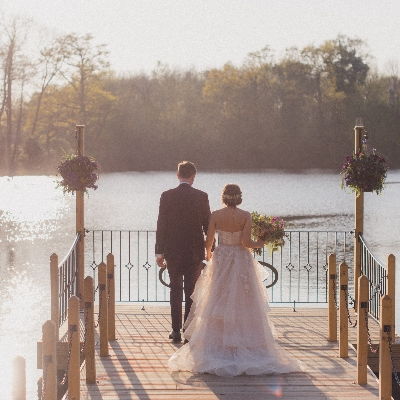 Tie the knot at Kent wedding venue The Inn on the Lake