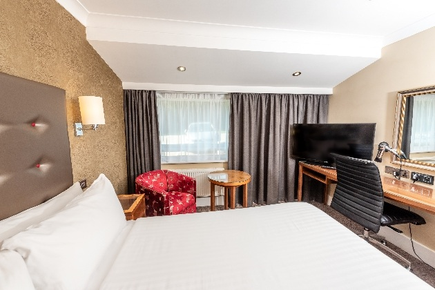 Holiday Inn Dover new double bedroom