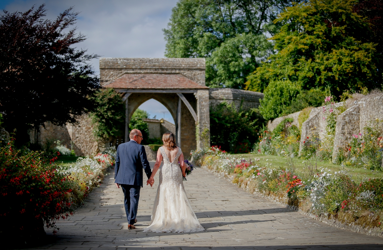 Cople stroll through grounds